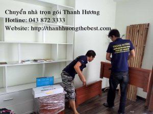 Nhân viên chuyển nhà Thanh Hương đang làm việc