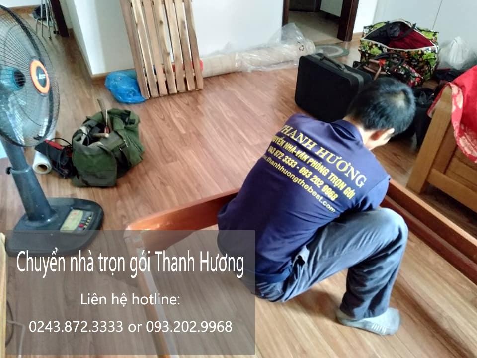 Thanh Hương chuyển nhà tại phố Ái Mộ